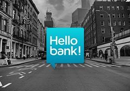 """Logo von """"Hello bank"""" mit Stadt im Hintergrund"""