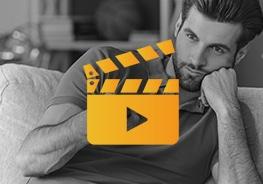 Icon mit Filmklappe und Mann im Hintergrund